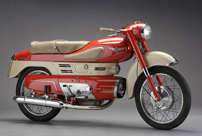 Les vieilles pétoires - Page 2 Moto-Anciennes-bikee1