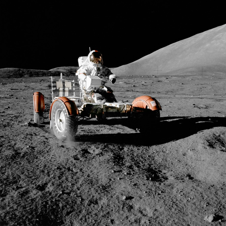 apollo-17-lune-jeep-voiture-lune-01