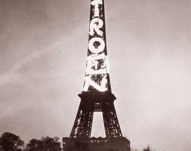 citroen-tour-eiffel-1925.jpg