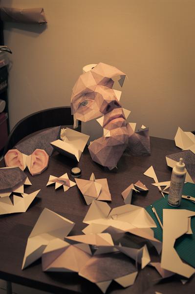 tete papier grosse 03 La grosse tête en papier dEric Testroete