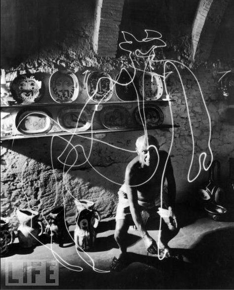 picasso light graffiti 1 Light Painting par Pablo Picasso