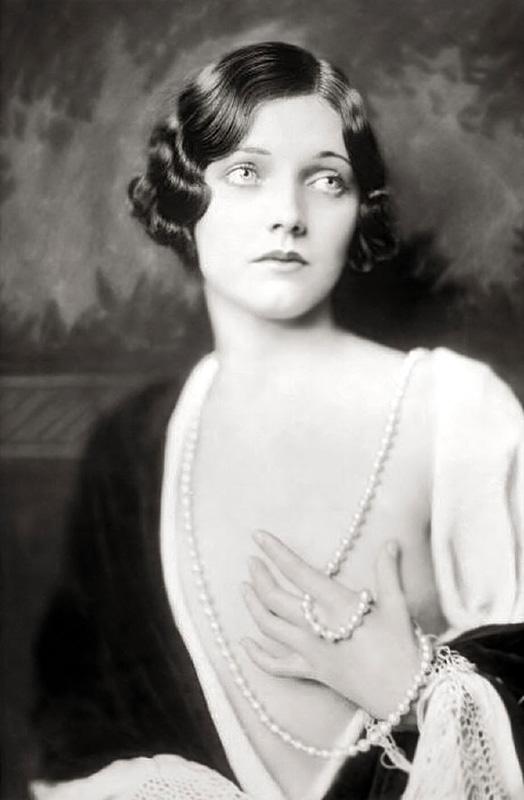 Ziegfeld Follies Girls 1920 Broadway 03 Les filles des Ziegfeld Follies dans les années 1920