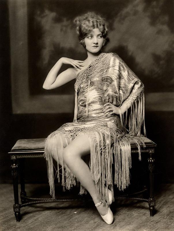 Ziegfeld Follies Girls 1920 Broadway 06 Les filles des Ziegfeld Follies dans les années 1920