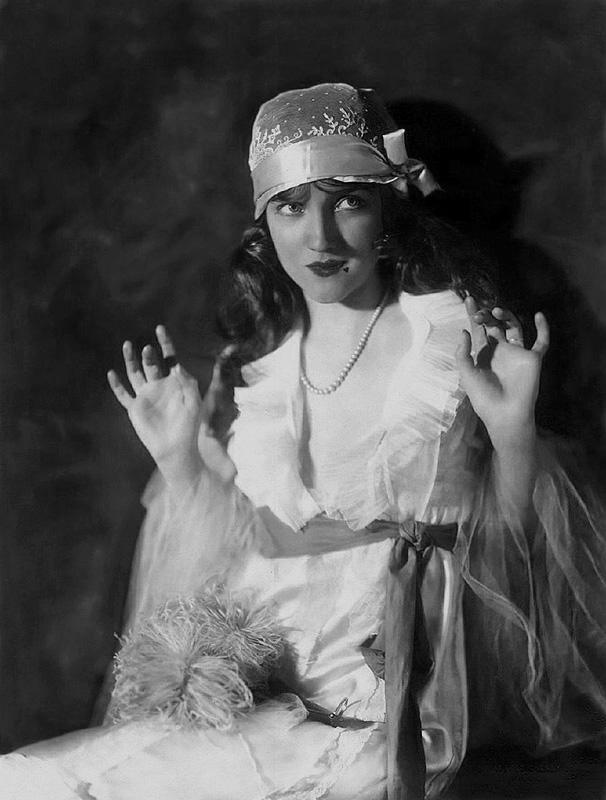 Ziegfeld Follies Girls 1920 Broadway 07 Les filles des Ziegfeld Follies dans les années 1920