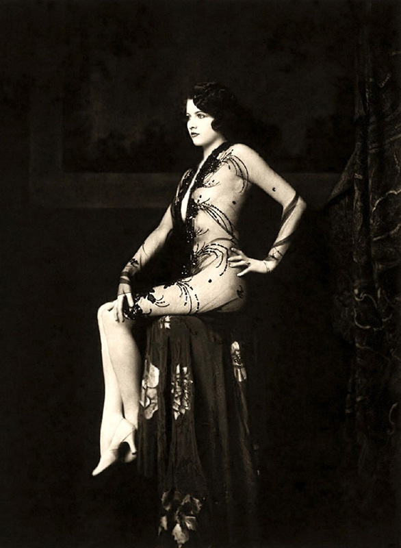 Ziegfeld Follies Girls 1920 Broadway 11 Les filles des Ziegfeld Follies dans les années 1920