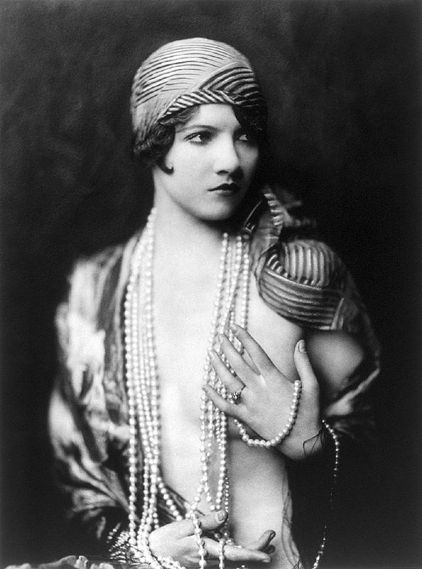 Ziegfeld Follies Girls 1920 Broadway 13 Les filles des Ziegfeld Follies dans les années 1920
