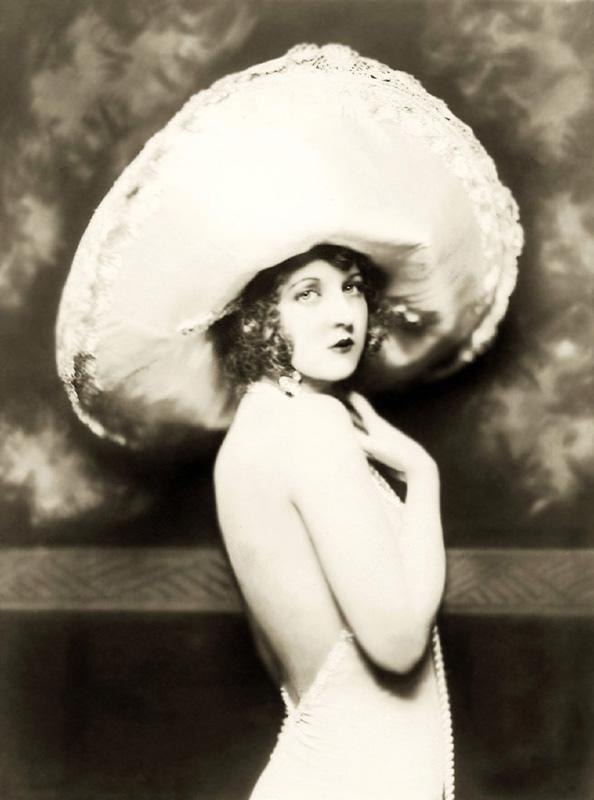 Ziegfeld Follies Girls 1920 Broadway 14 Les filles des Ziegfeld Follies dans les années 1920