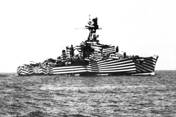 http://www.laboiteverte.fr/wp-content/uploads/2010/03/bateau-furtif-dazzle-painting-wold-war-guerre-01.jpg