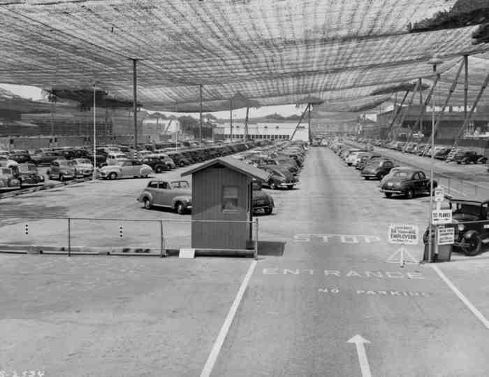camouflage aeroport guerre mondiale 03 Quand Hollywood camouflait des bases militaires