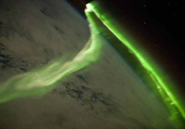aurore-boreale-espace-iss.jpg