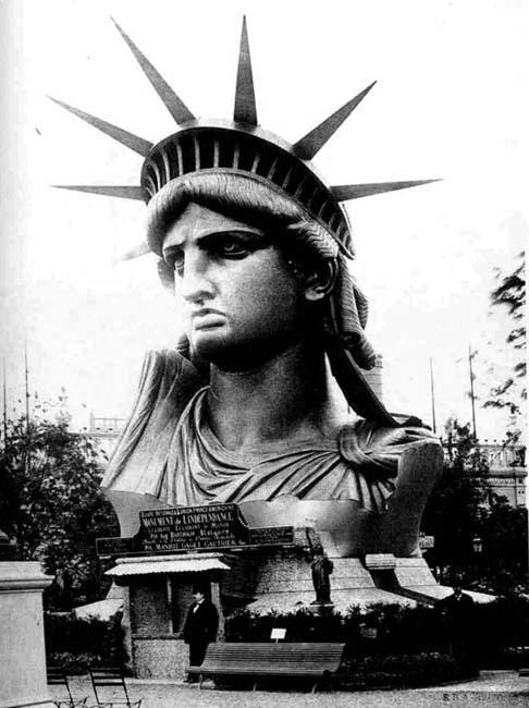 744 La construction de la Statue de la Liberté à Paris