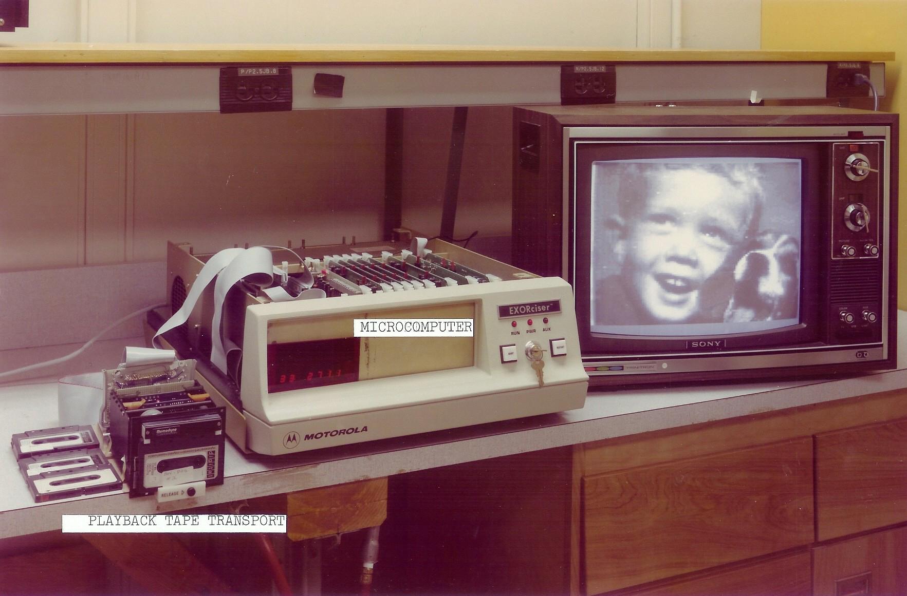 premier lecteur photo numerique kodak Le premier appareil photo numérique