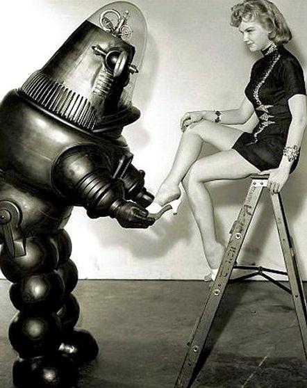 vintage femme pinup robot 04 Des femmes et des robots vintages