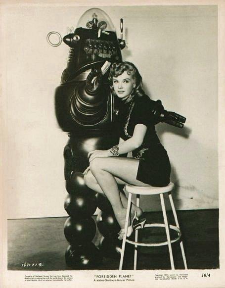 vintage femme pinup robot 07 Des femmes et des robots vintages