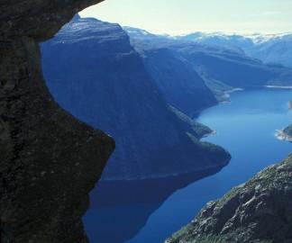 Trolltunga-Norway.jpg