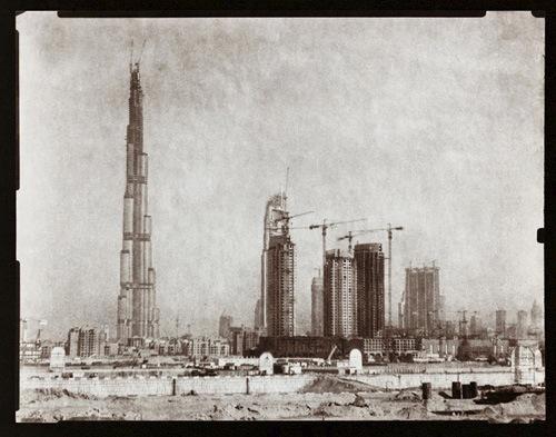 Le Dubaï moderne photographié à lancienne