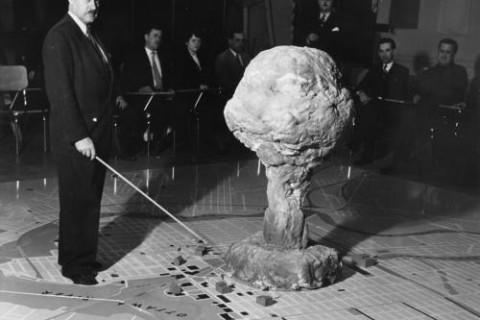 histoire-nucleaire-atomique-01.jpg