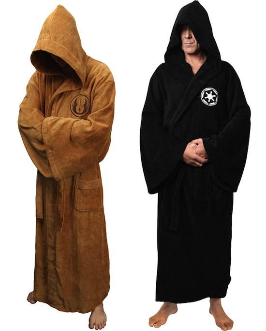 En robe de chambre Jedi pourquoi pas ? Je trouve ce truc excellent ahah :)