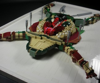 grenouille-dissection-lego.jpg
