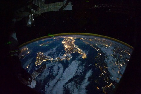 terre-nuit-espace-iss-coupole-01.jpg