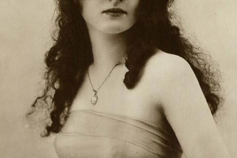 premiere-miss-france-agnes-souret-1920.jpg
