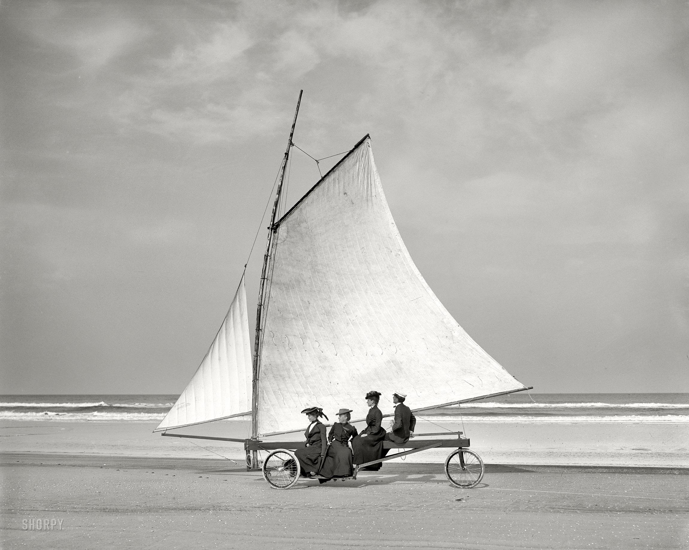 Char A Voile Sur La Plage En 1900