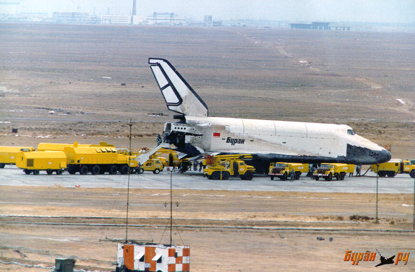 navette spatiale russe buran atterrisage 03 Buran, la navette spatiale Russe