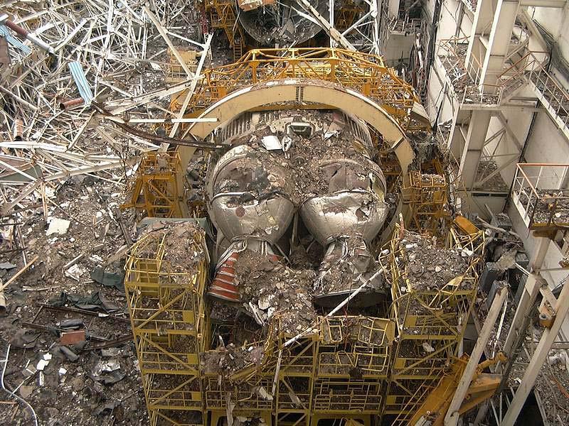 navette spatiale russe buran destruction toit 2002 01 Buran, la navette spatiale Russe