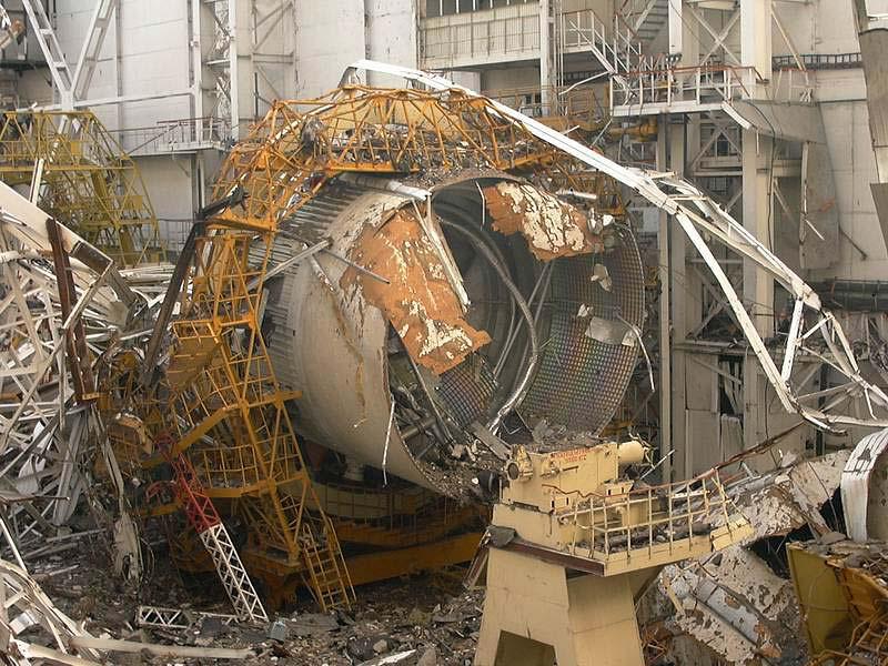 navette spatiale russe buran destruction toit 2002 02 Buran, la navette spatiale Russe