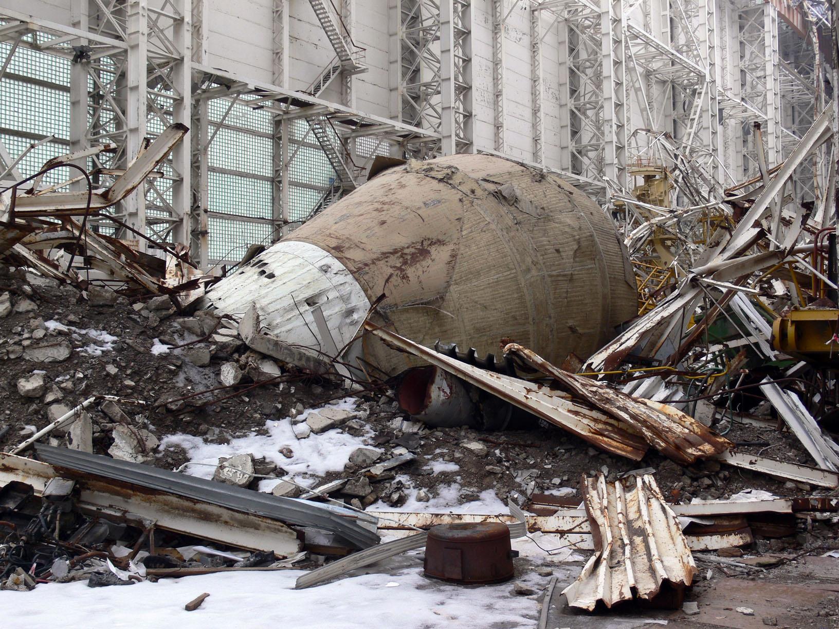 navette spatiale russe buran destruction toit 2002 03 Buran, la navette spatiale Russe