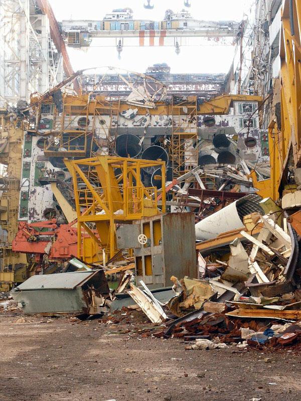 navette spatiale russe buran destruction toit 2002 06 Buran, la navette spatiale Russe