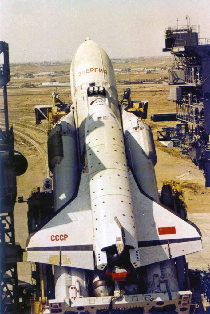 navette spatiale russe buran pas de tir decollage 01 Buran, la navette spatiale Russe