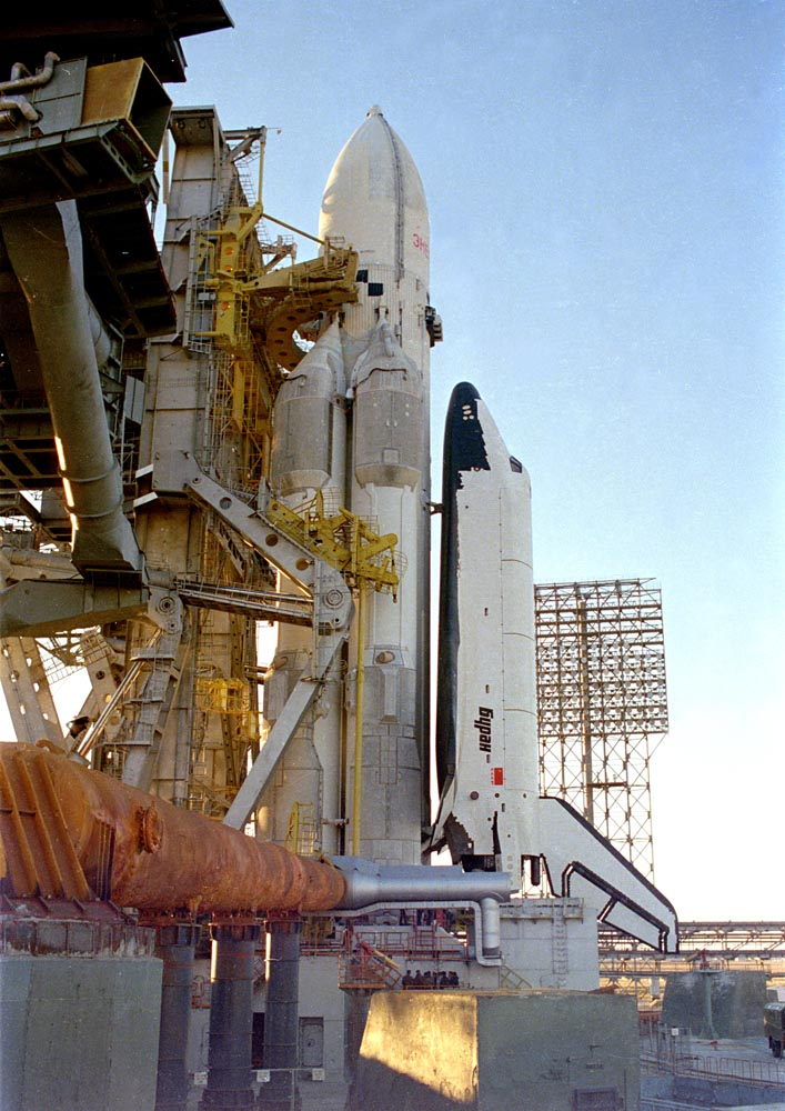 navette spatiale russe buran pas de tir decollage 08 Buran, la navette spatiale Russe