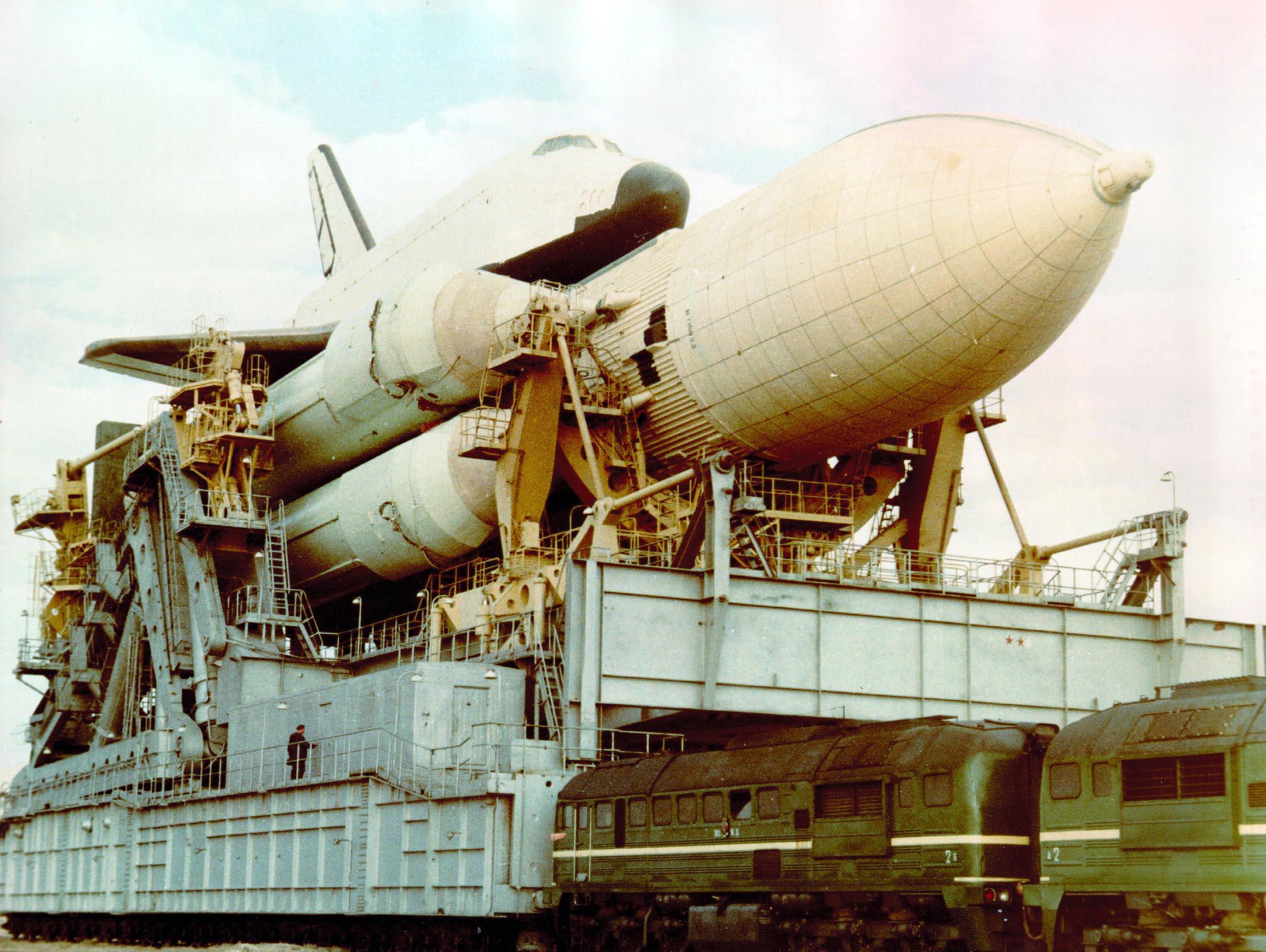 navette spatiale russe buran transport 04 Buran, la navette spatiale Russe