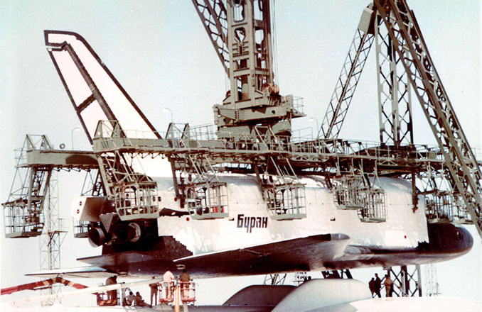 navette spatiale russe buran transport avion 04 Buran, la navette spatiale Russe