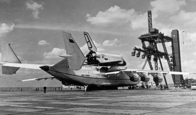 navette spatiale russe buran transport avion 06 Buran, la navette spatiale Russe