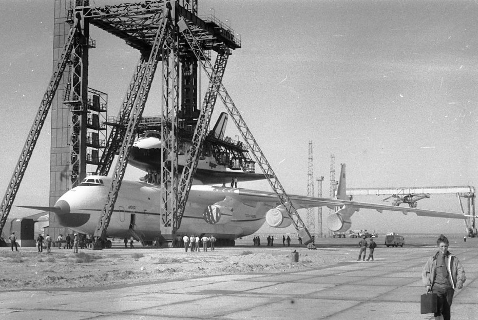 navette spatiale russe buran transport avion 08 Buran, la navette spatiale Russe