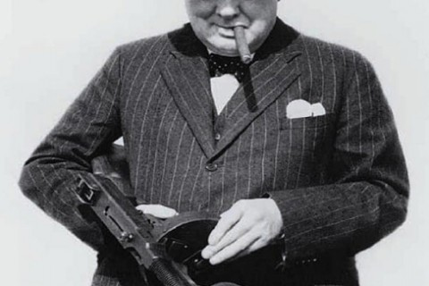 wiston-churchill-arme-badass