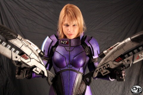 costume-deguisement-cosplay-mass-effect-shepard-00.jpg