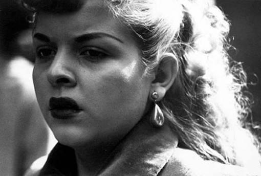 femme-rue-chicago-1950-harry-callahan-01.jpg