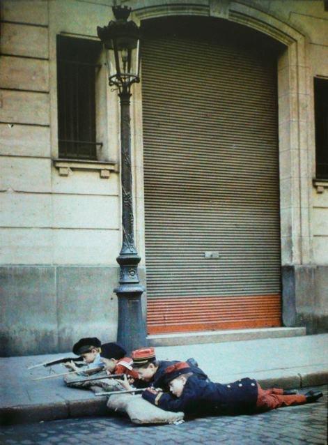 leon gimpel grenata armee enfant autochrome 01 Les autochromes parisiens de Léon Gimpel