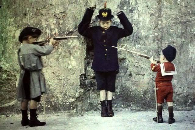 leon gimpel grenata armee enfant autochrome 03 Les autochromes parisiens de Léon Gimpel