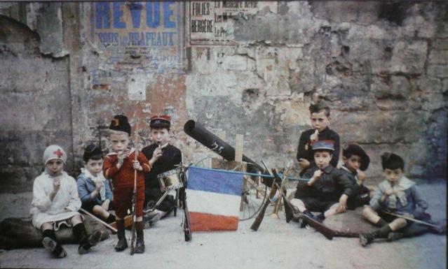 leon gimpel grenata armee enfant autochrome 04 Les autochromes parisiens de Léon Gimpel