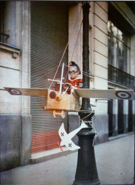 leon gimpel grenata armee enfant autochrome 08 Les autochromes parisiens de Léon Gimpel