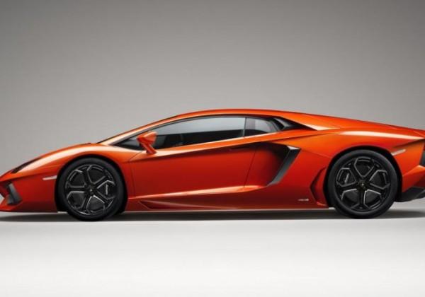 Lamborghini-Aventador-LP700-4-01.jpg