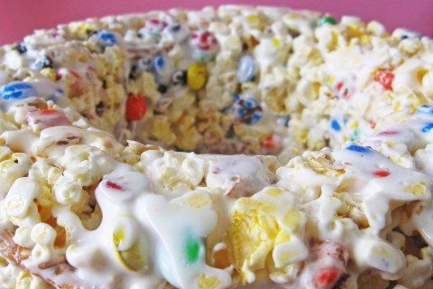 gateau-popcorn-mms-bretzel-shamallow-01.jpg