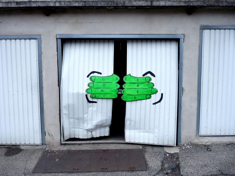 oakoak street art france detournement urbain 13 OakOak, du street art insolite français