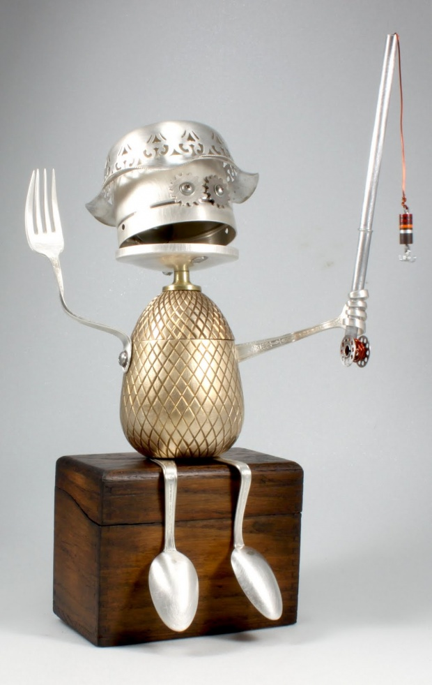 objet de recuperation sculptures de robots joyeux partir d objets r cup r s assembl s. Black Bedroom Furniture Sets. Home Design Ideas