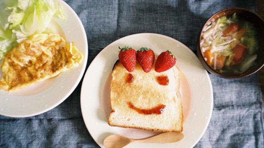 sourire-petit-dejeuner-smiley-visage-01.jpg