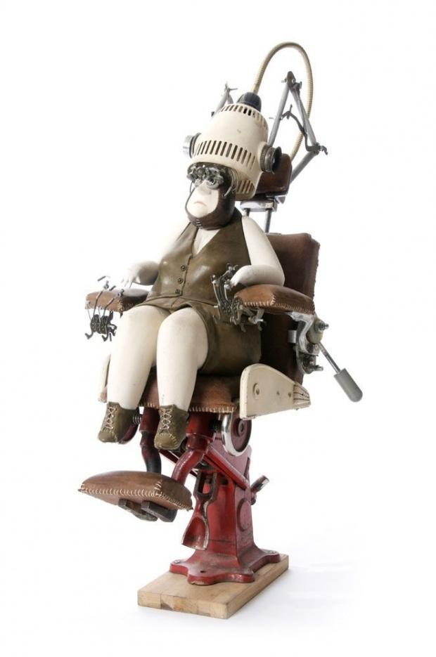 stephane halleux sculpture personnage 03 Les étranges personnages de Stephane Halleux